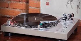 Audio-Technica-Next-Generation-AnalogUSB-Turntable on sale